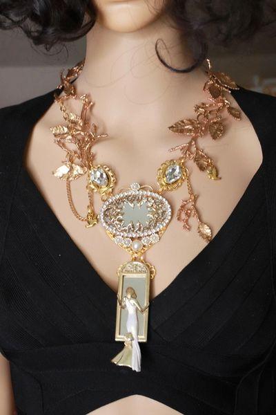 8503 Art Deco Gold tone Lady In The Mirror Garden Massive Elegant Necklace