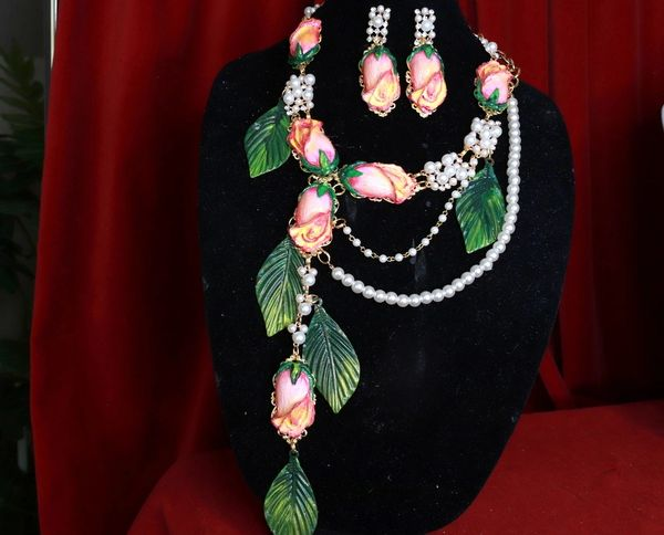 8542 Set Of Rose Flower Cabochon Pearl Necklace+ Earrings