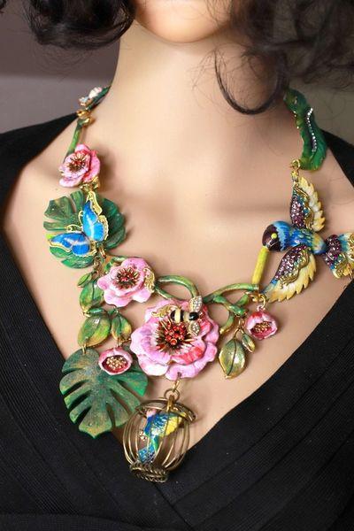 8621 Enamel Flower Bird Cage Vacation Unique Necklace