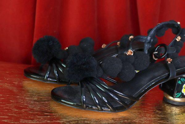 8631 Baroque Pom Pom Black Shoes Heels Size US10