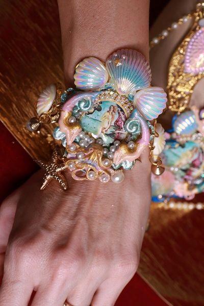 SOLD! 8668 Birth Of Venus Adjustable Bracelet