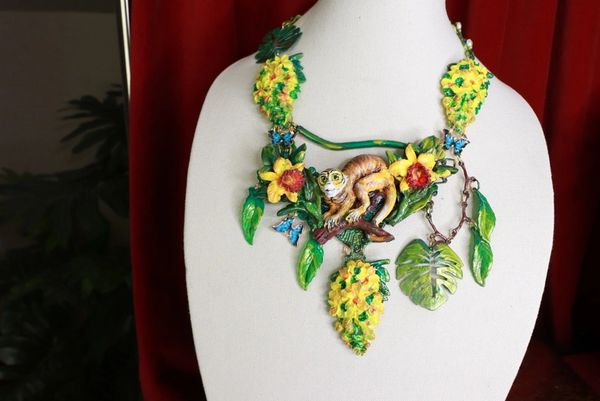 8694 Art Jewelry 3D Effect Hand Painted Lemur Animal Jungle Stone effect Necklace