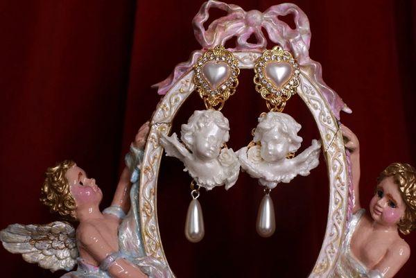 8729 Small Pearlish Chubby Cherubs Angels Shell Light Weight Studs Earrings