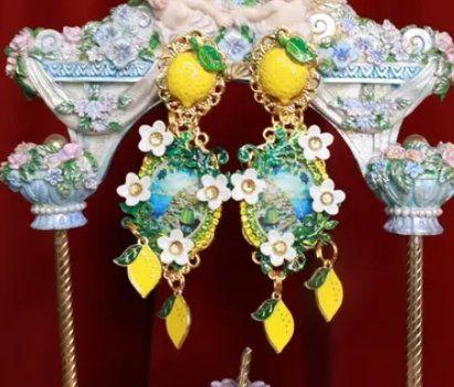 8739 Baroque Taormina Cameo Studs 2 Lemons Earrings