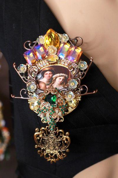 8792 Italian Renaissance Romantic Couple Vintage Style Massive Brooch