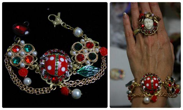 1113 Fancy Enamel Ladybug chained Leaf Bracelet