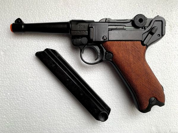 WWI - WWII German Luger Parabellum P-08 Wood Grips Non-Firing Replica