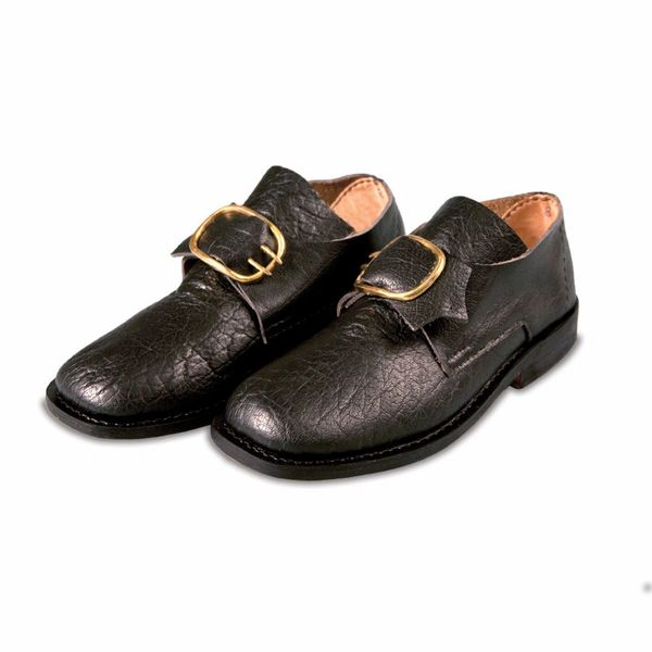 18th Century Colonial Leather Shoes for Men with Buckles
