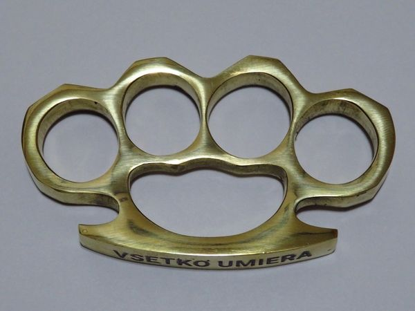 VSETKO UMIERA Engraved Real Deal Solid Brass Knuckles