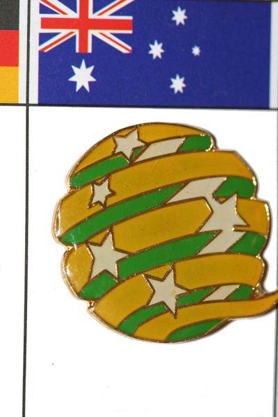 "AUSTRALIA - FIFA WORLD CUP SOCCER LOGO LAPEL PIN BADGE .. SIZE : 1"" X 1"" INCHES .. NEW"