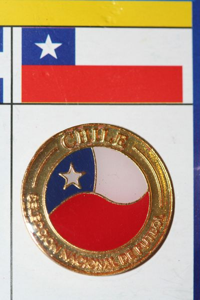 "CHILE - FIFA WORLD CUP SOCCER AFA LOGO LAPEL PIN BADGE .. SIZE : 1"" X 1 "" INCHES CIRCLE SHAPE ..NEW"