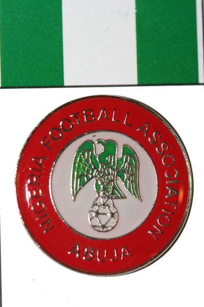 "NIGERIA - FIFA WORLD CUP SOCCER LOGO LAPEL PIN BADGE .. SIZE : 1"" X 1"" INCHES CIRCLE SHAPE .. NEW"