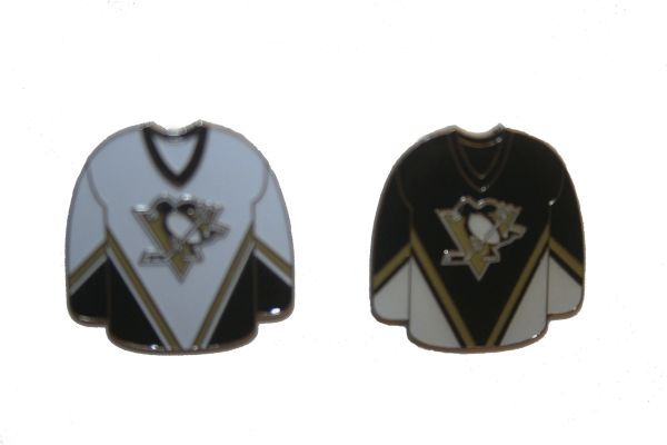 2 PITTSBURGH PENGUINS BLACK & WHITE JERSEYS NHL LOGO METAL LAPEL PIN BADGES .. NEW
