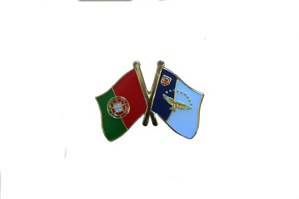 AZORES & PORTUGAL FRIENDSHIP COUNTRY FLAG LAPEL PIN BADGE .. NEW AND IN A PACKAGE