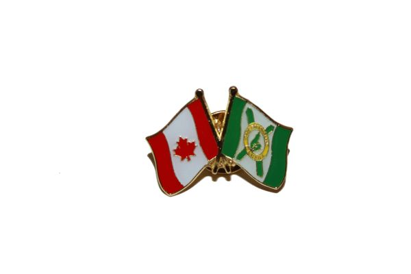 CANADA & CAPE BRETON ISLAND FRIENDSHIP COUNTRY FLAG LAPEL PIN BADGE .. NEW AND IN A PACKAGE