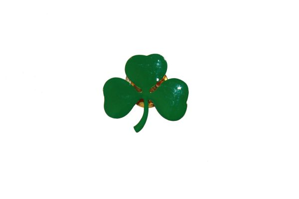 IRISH SHAMROCK FLOWER LAPEL PIN BADGE .. NEW AND IN A PACKAGE