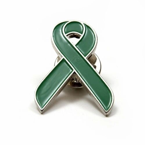 RIBBON GREEN LAPEL PIN BADGE .. NEW AND IN A PACKAGE