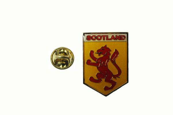 SCOTLAND LION RAMPANT LAPEL PIN BADGE .. NEW AND IN A PACKAGE