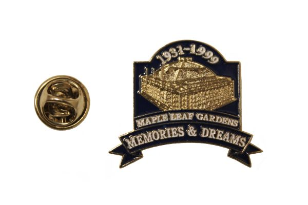MAPLE LEAF GARDENS MEMORIES & DREAMS 1931 - 1999 Metal LAPEL PIN BADGE