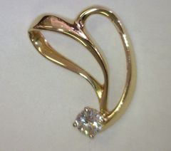 Gorgeous 14kt YG Pendant with Diamond