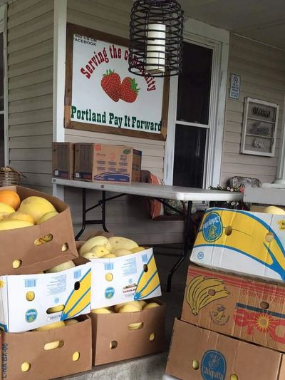 Portland Pay It Forward is a food pantry in Portland Tennessee.