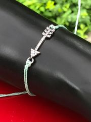 Rhinestone Side Arrow String Bracelet