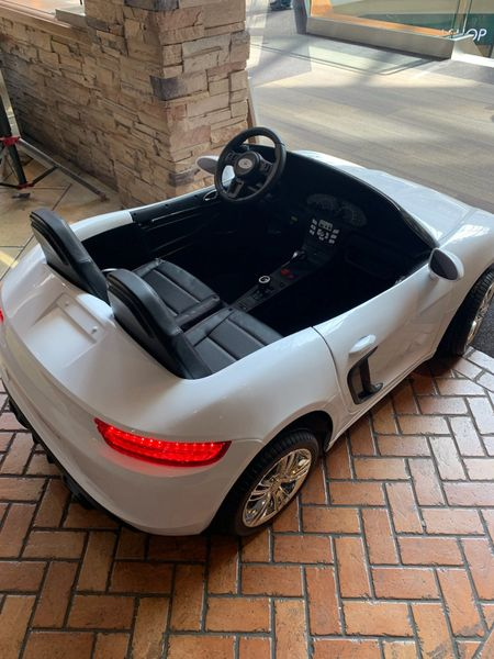 Porsche Style White with Remote OR step on pedal and go