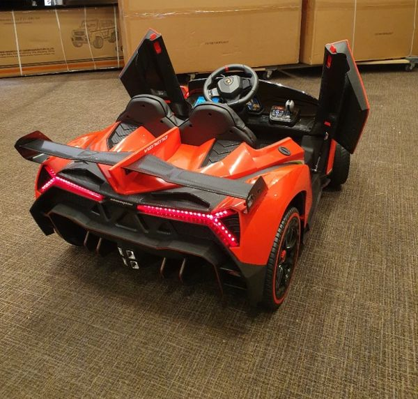 Licensed Lamborghini Two seater , Touch Tv , 24v , 4 x 4 , Rubber Tires , Leather Seat