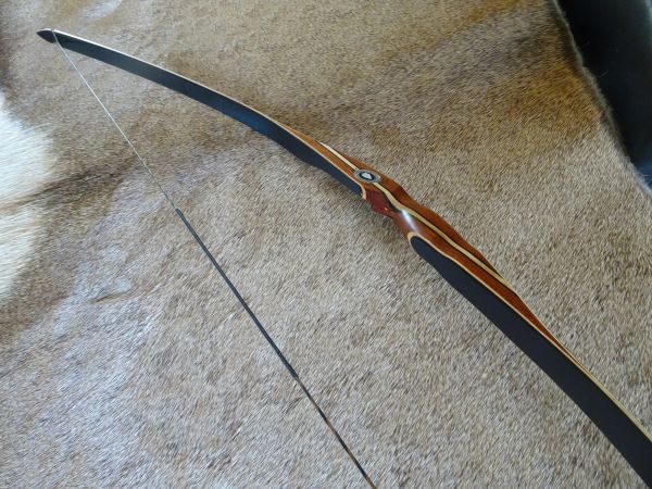 "52"" 26#@24"" ~ 31#@26"" Mahogany and Black Premium Big Rapids Youth Longbow"