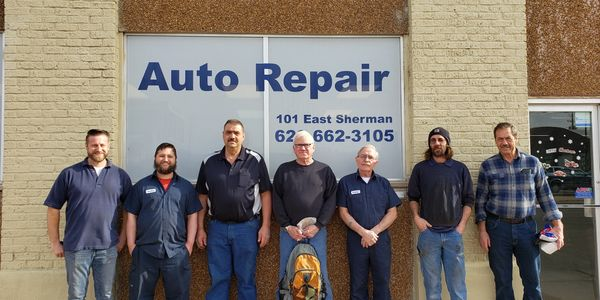 Picture of employees of Bob Goertz Auto Left to Right, Darren, Jordan, Joe, Jake, Rodney, Jim, Bob