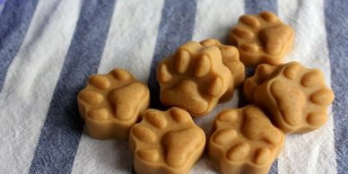 Treat a friends dog with adorable homemade dog treats!  Easy to make homemade dog treats.