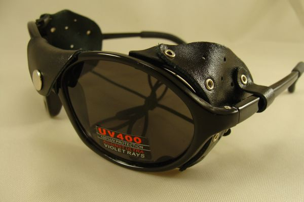 MOUNTAIN GLACIER SUNGLASSES WITH LEATHER SIDE SHIELDS