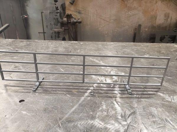 Free standing panel - Single