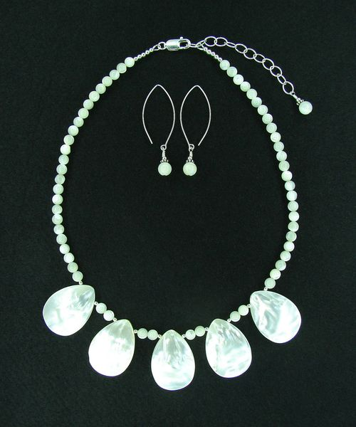 cbb383d9cf147 Mother of Pearl Necklace and Earrings Set