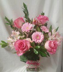Medium Mixed flowers in vase