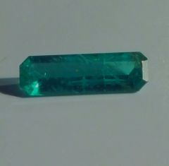 RB2-0003; Emerald, Colombia, Epo Resin Treated