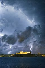 Lightning strikes over Fort St. Angelo. Valletta Photography at night.