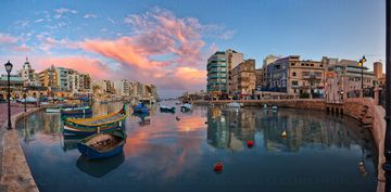 St Juliand bay at sunset - Spinola bay