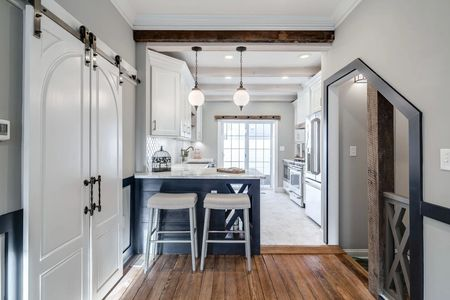 cabinetry cabinets traditional modern kitchen design ideas white cabinets crown woodwork farm door