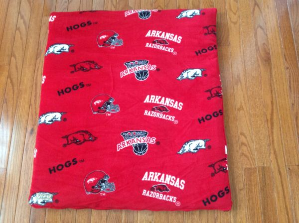 Cover - medium - Cover made from AR Razorback 100% fleece -red/black/white