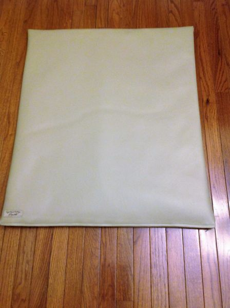 Mat - medium marine vinyl - bone/tan