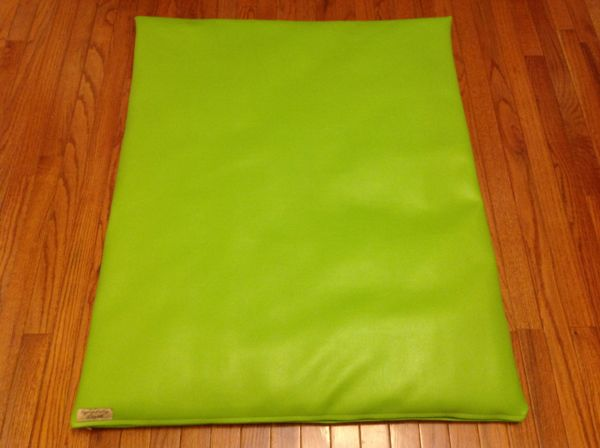 Mat - medium- marine vinyl cushioned lime green mat
