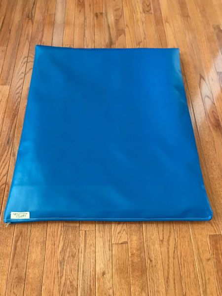 Mat - medium - marine vinyl royal blue cushioned pet mat outdoor/indoor