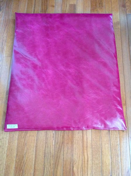 Mat - medium designer vinyl faux leather look - Magenta -hot pink