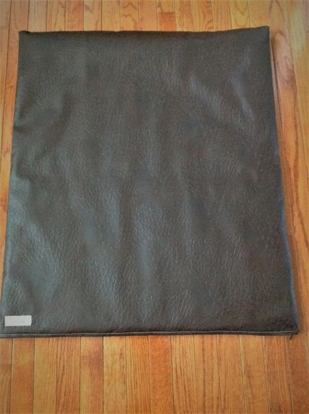 Mat - medium designer vinyl mat ostrich look deep dark brown & gorgeous