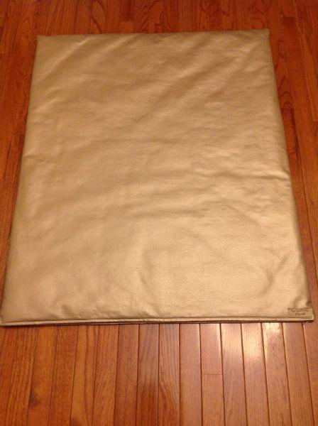 Mat - large - vinyl designer mat beautiful light faint gold color & soft
