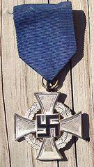 WW II GERMAN FAITHFUL SERVICE DECORATION - 25 YEARS