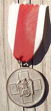 WW II GERMAN SOCIAL WELFARE AWARD MEDAL