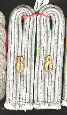 WW II NAZI GERMAN ARMY 8th PANZER DIVISION LIEUTENANT SEW IN SHOULDER BOARDS