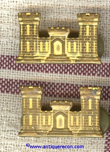 WW II US ARMY ENGINEER OFFICER COLLAR BRASS - AECO